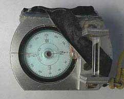 Kompass mit Glassstab und Beleuchtung